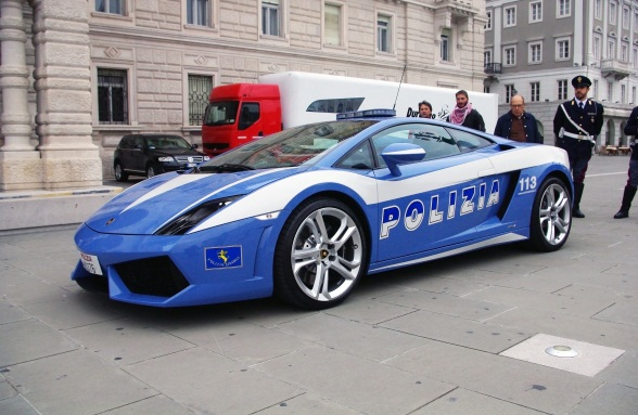 31 10 Coolest Police Cars Around The Globe!