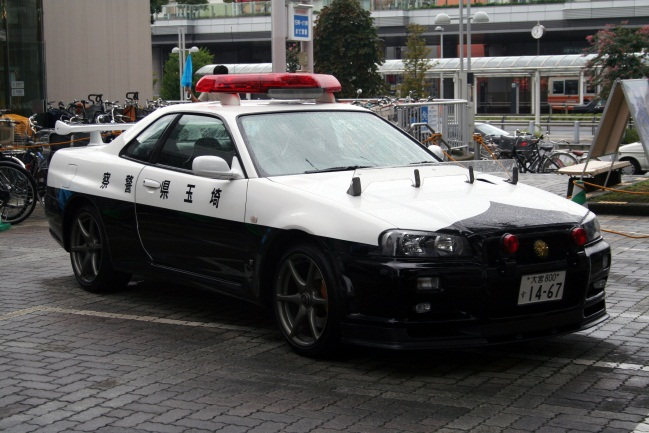 71 10 Coolest Police Cars Around The Globe!