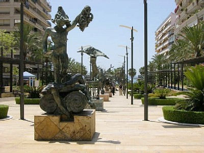 Car rental in Marbella, Avenida del Mar, Spain