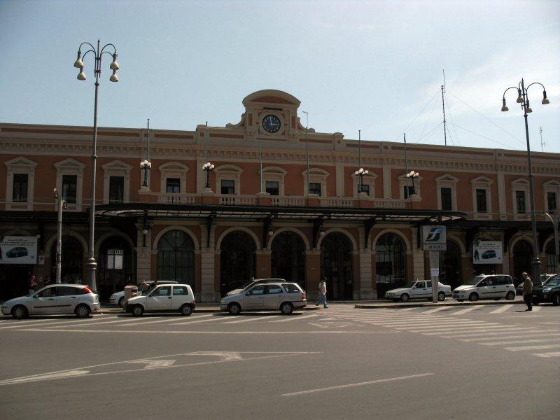 Car rental at Bari, Italy