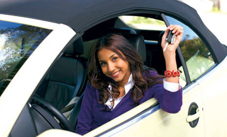 Book in advance to save up to 40% on car rental in Paris